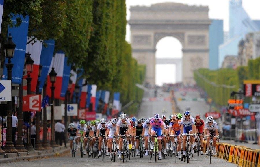 Cycling : 98th Tour de France 2011 / Stage 21 Illustration Illustratie / Peleton Peloton / Arc de Triomphe / Landscape Paysage Landschap / Creteil - Paris Champs-Elysees (95Km)/ Ronde van Frankrijk / TDF / Etape Rit /(c) Tim De Waele