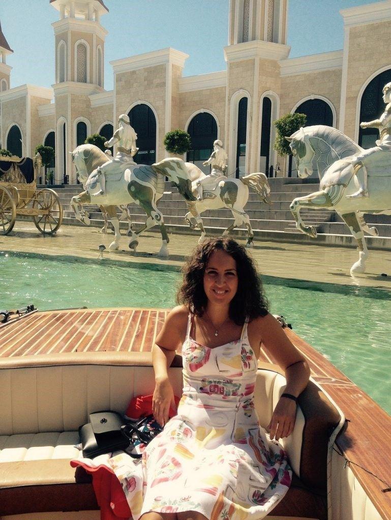 înotul cu delfinii în Aquapark-ul Land of Legends din Antalya6