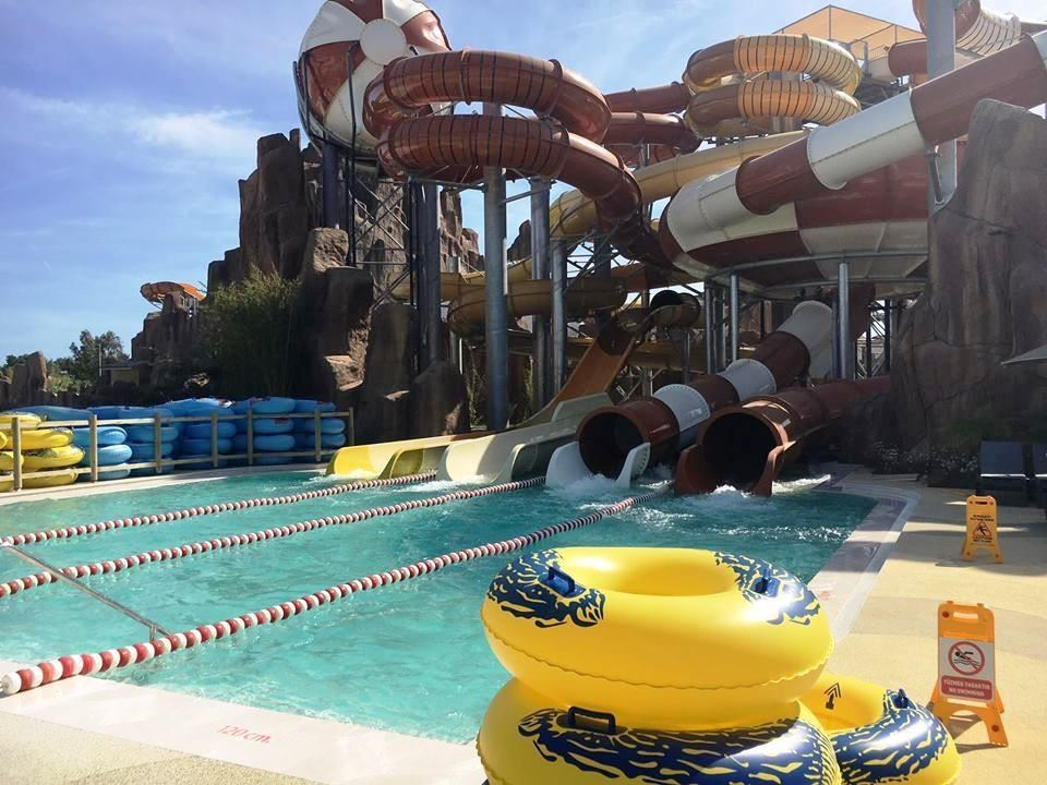 înotul cu delfinii în Aquapark-ul Land of Legends din Antalya11