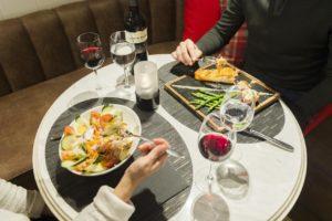 Cină la restaurantul Skyline