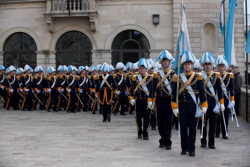 Schimbarea gărzii în San Marino, foto @agriturismolebosche.com