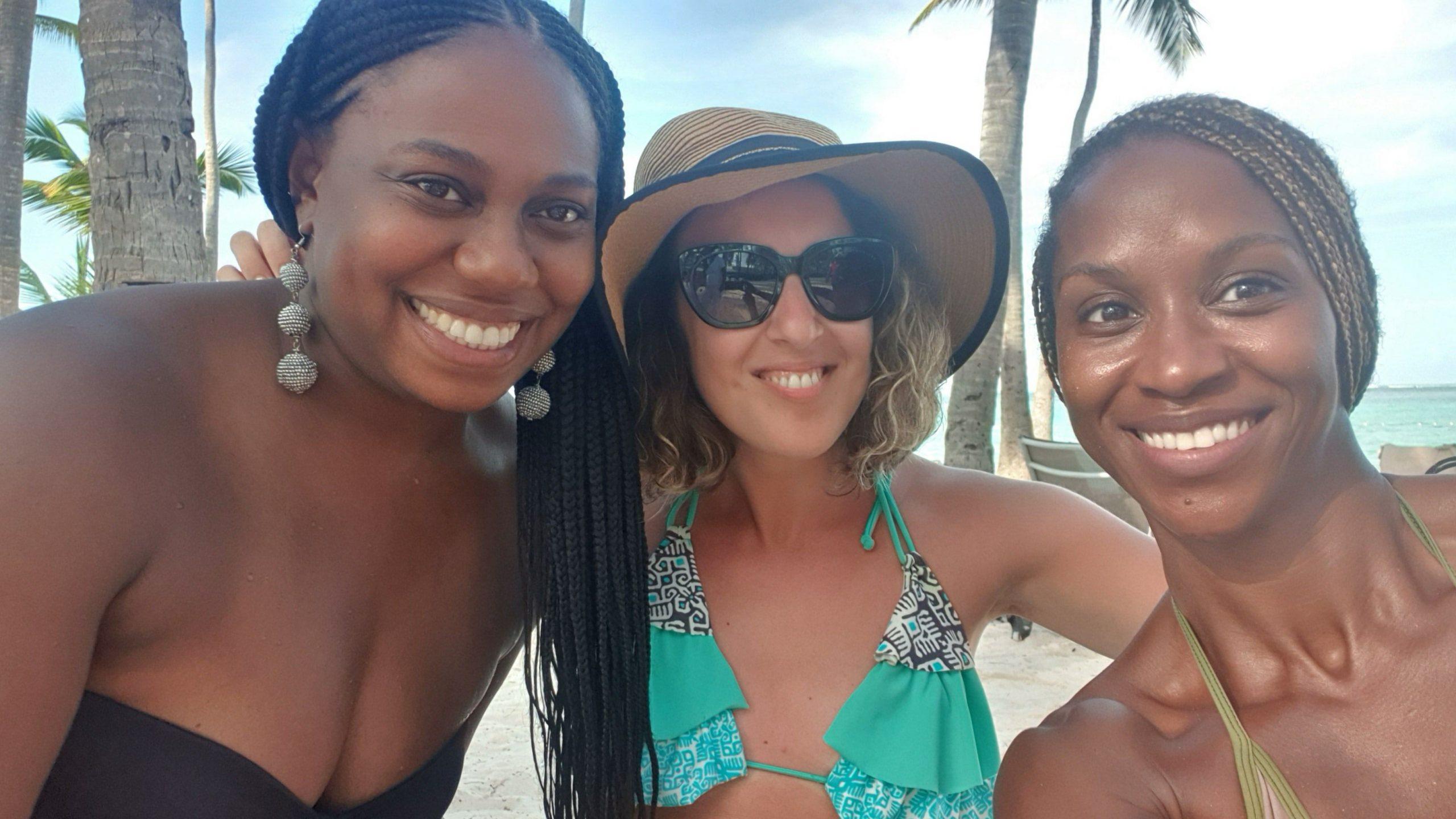 Dans şi voie bună pe plaja Bavaro din Punta Cana