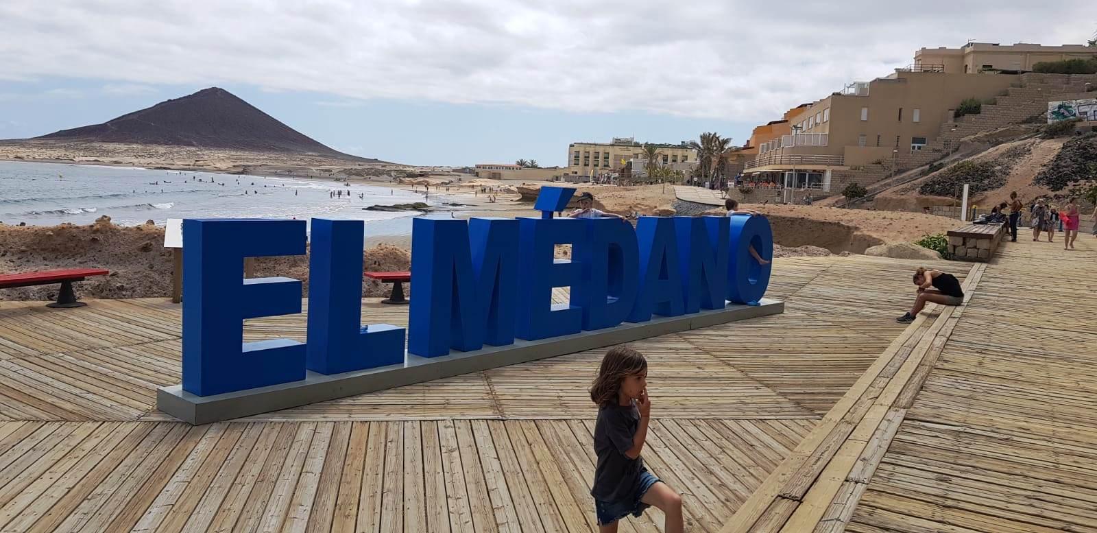 Plaja El Medano, Tenerife - vacantele turistilor - ANCAPAVEL.RO