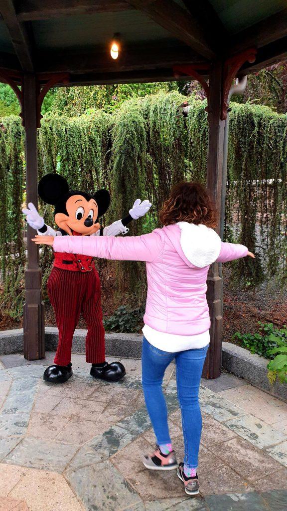 întâlnirea cu Mickey Mouse - vacanță la Disneyland Paris