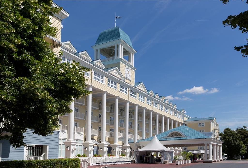 Vacanţă la Disneyland Paris, la Hotel Disney's Newport Bay Club