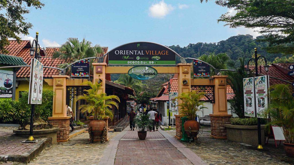Satul oriental din Langkawi, Malaezia, foto @homeiswhereyourbagis.com